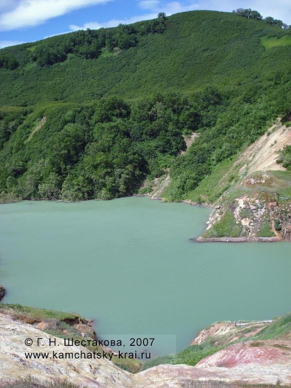 Долина гейзеров. Гейзер Большой под водой запрудного озера