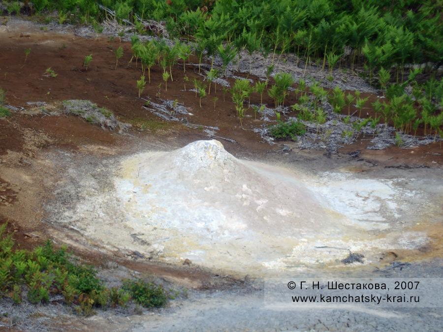 Вулканчик в кальдере вулкана Узон