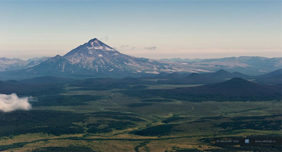 Вулкан Ходутка (Khodutka Volcano)