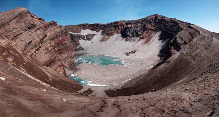 Вулкан Горелая Сопка (Gorely Volcano)