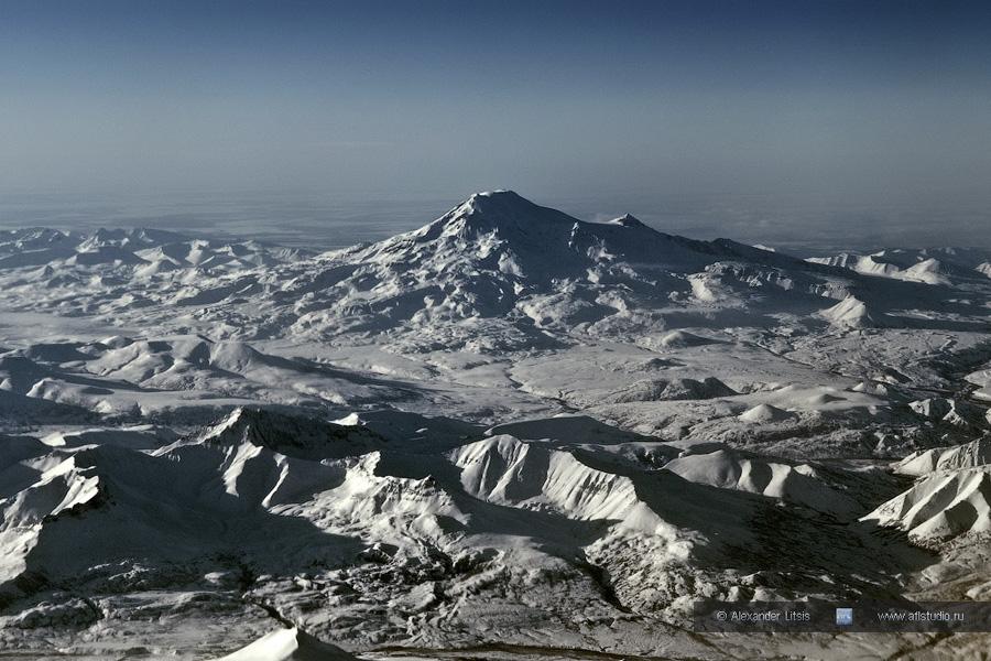 Вулкан Ичинский (Ichinsky Volcano)