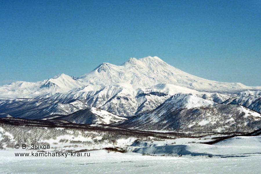 Жупановский вулкан (Zhupanovsky Volcano)