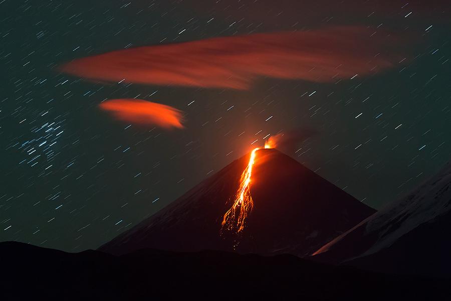 Извержение Ключевского вулкана (Klyuchevskoi Volcano) на Камчатке