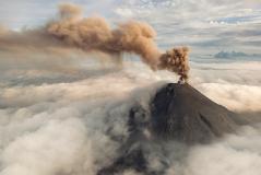 Извержение вулкана Карымский (Karymsky Volcano) на Камчатке