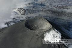 Кратер Карымского вулкана (Karymsky Volcano)