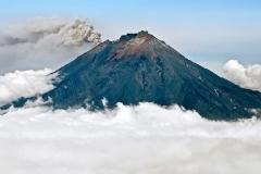 Извержение Корякского вулкана (Koriaksky Volcano)