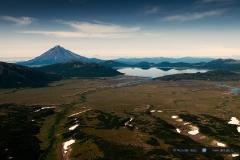 Вулкан Опала и озеро Толмачева
