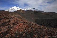Вулкан Острый Толбачик и вулкан Плоский Толбачик